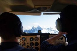 one-hour flight lesson from Squamish BC over Coast Mountains