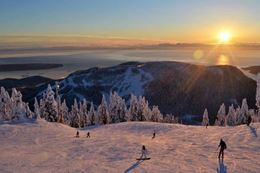 Ski and Snowboard Tour from Vancouver