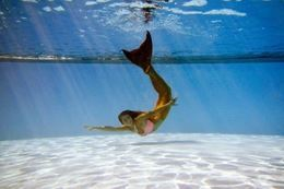 Picture of Mermaid Swimming Class - Montreal - Adult / Teen