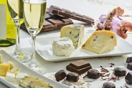 Picture of Wine, Cheese & Chocolate Pairing Class, Toronto