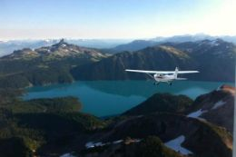 Experience a once-in-a-lifetime floatplane sightseeing tour from Squamish BC over BC backcountry.