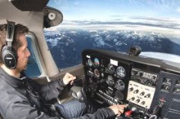Learn to fly  in one-hour flight lesson from Squamish BC over Coast Mountains