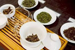 learn about tea and chocolate from experts in a virtual tasting experience