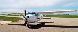 plane for scenic flight for up to 3 people over Brandon Manitoba