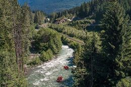 whitewater rafting summer fun things to do in Whistler BC
