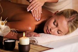 Pampering spa day experience gift at Toronto urban retreat spa in Yorkville, Breakaway Experiences.