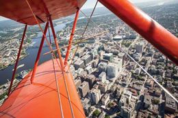 An Ottawa biplane ride is perfect experience gift for someone hard to buy for.