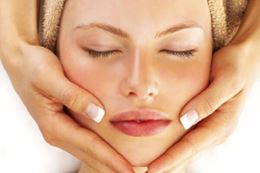 Organic Facial for Teens, spa day experience gift. Yorkville, Toronto, Breakaway Experiences