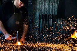Blacksmith class – Learn to make a golf putter. A unique Ottawa experience gift.