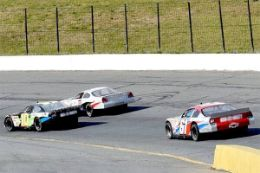 Drive a NASCAR style race car like the pros do at Caraway Speedway North Carolina